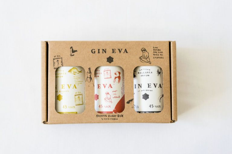 GIN Eva Flight Box 2 miniature gins in gift packaging on white background